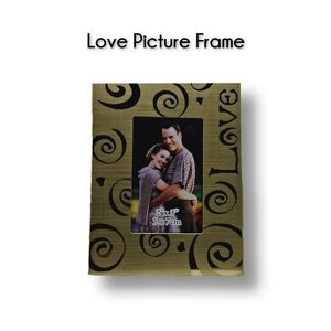 🔴 15/$25. Love Picture Frame